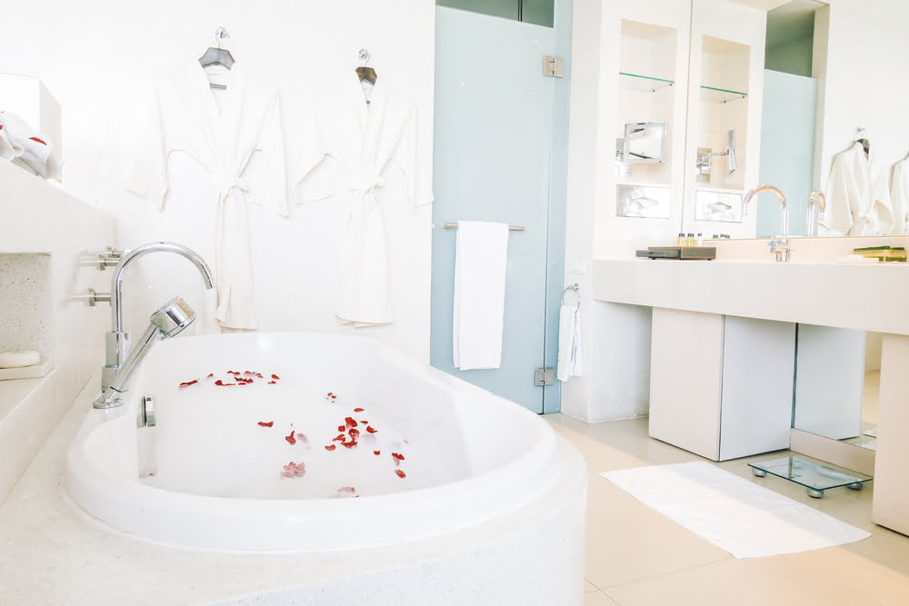 muebles baño estilo romantico
