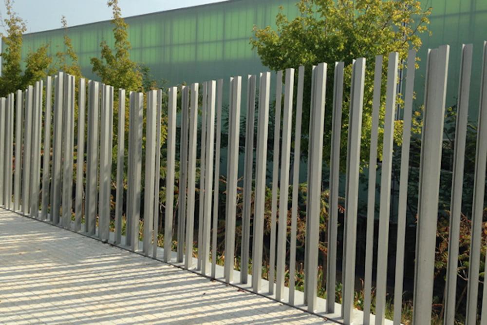 vallas metalicas para decorar el jardin