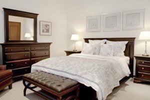 dormitorios de madera clasicos
